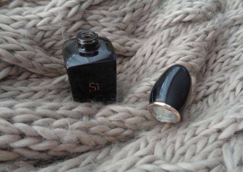 4-parfumuri-de-iarna-armani-si-intense-2018-syarosnotes.jpg