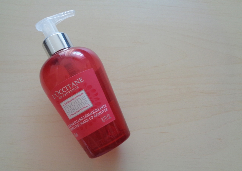 12-produse-in-ultimele-luni-loccitane-peony-makeup-remover-2018-syarosnotes.jpg